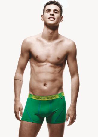 Oscar dos Santos Emboaba Jr. , Calvin Klein, http://chicentral.net